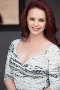 Sheena-Easton-Natural-light-smile